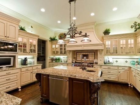 Marvelous Kitchen With A Nice Big Granite Top Island Design
