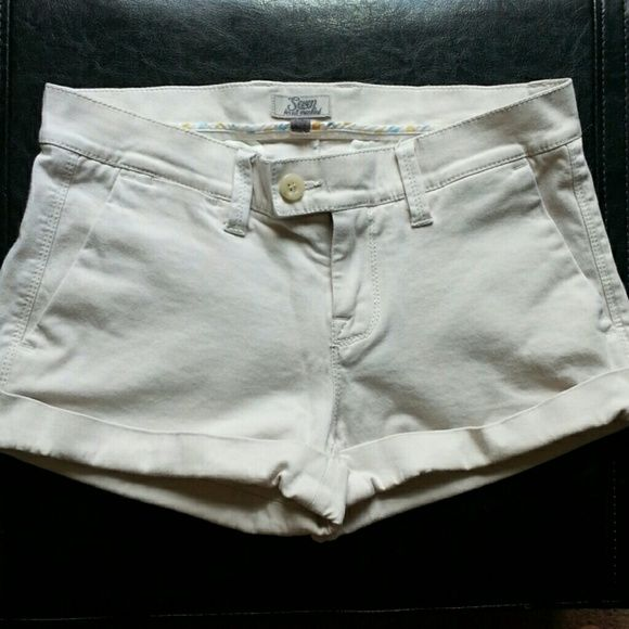 7 For All Mankind Khaki Shorts Khaki shorts with cuffs, zipper/button closer. Worn once, like new. 7 for all Mankind Shorts