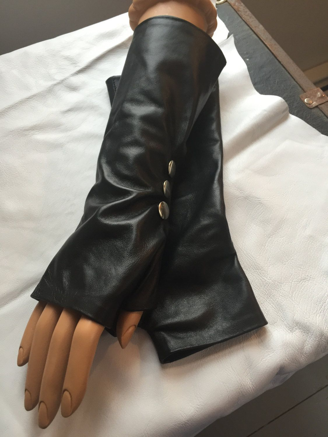 Black leather gloves small - Black Lamb Leather Gloves With 3 Silver Snaps It Feels Good To Wear Them Very Soft I Make Them Handmade In Small Medium Larges