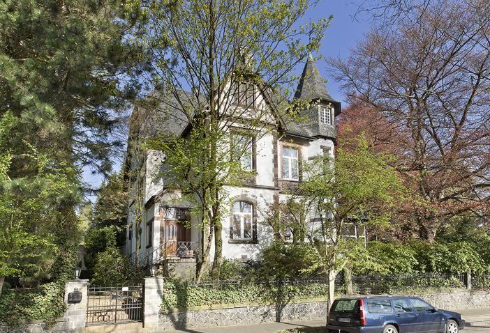 Trend Repr sentative historische Jugendstilvilla mit altem Baumbestand in Solingen an der Wilhelmsh he gelegen