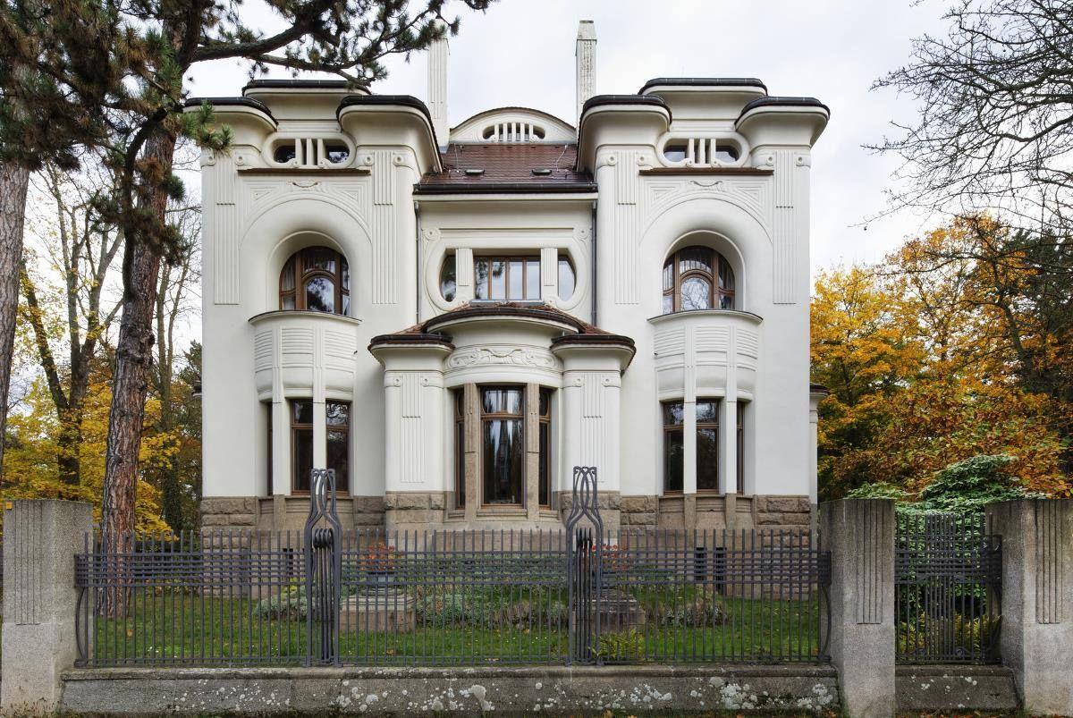 En Architecture La Maison Art Nouveau Est Regardee Comme Une œuvre D Art A Part Entiere Offrant Architecture Art Nouveau Architecture Architecture Art Deco
