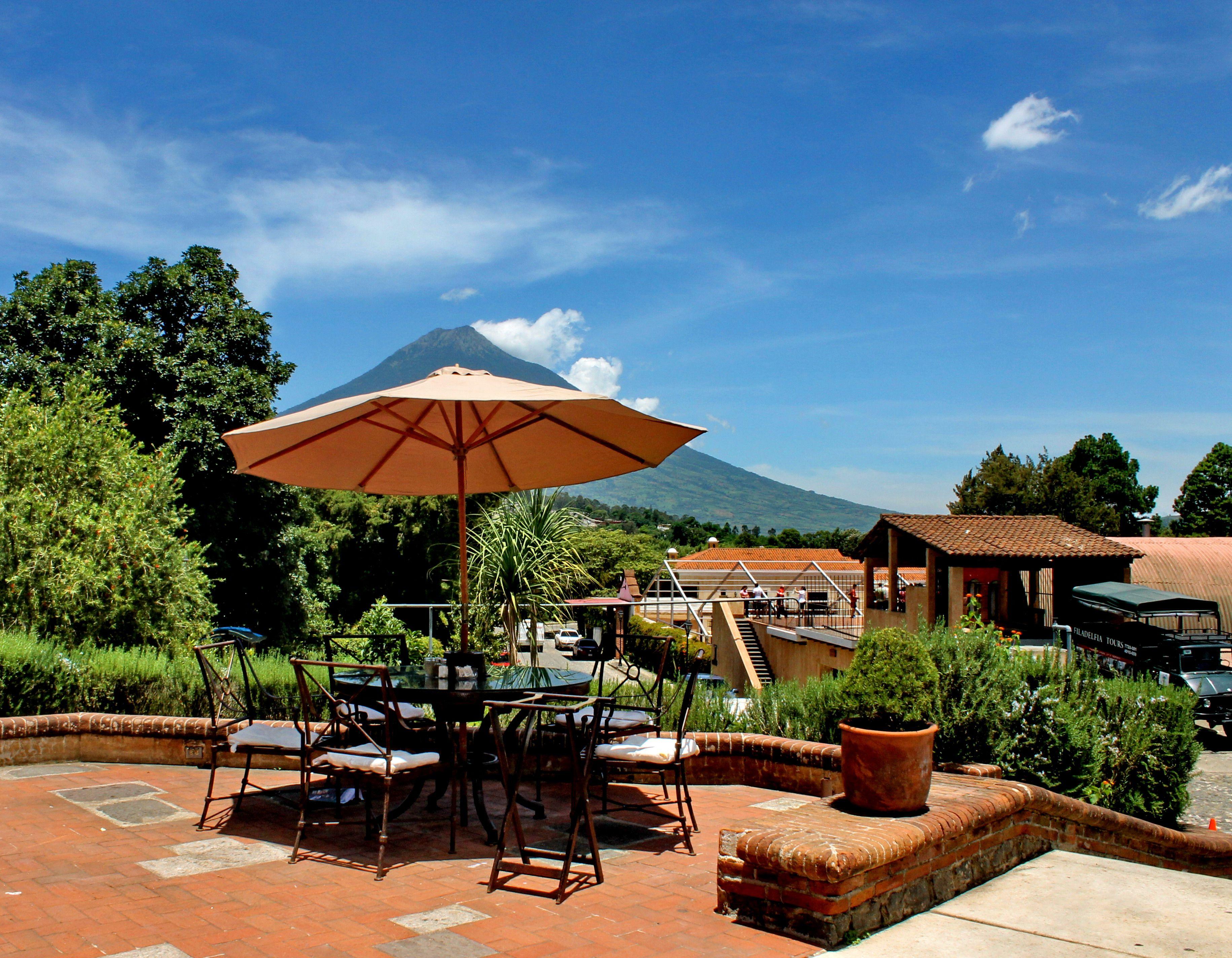 Te estamos esperando en cafetenango en fincafiladelfia for Casa jardin guatemala