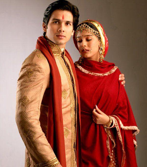 Shahid Kapoor Amrita Rao In Vivah Indian Groom Dress Indian Wedding Dress Bollywood Couples