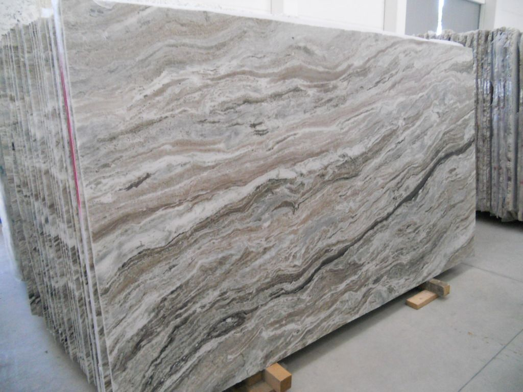 Countertops are fantasy brown granite the backsplash is marble - We Have A Counter Top Fantasy Brown Quartzite Beautiful Flow With A