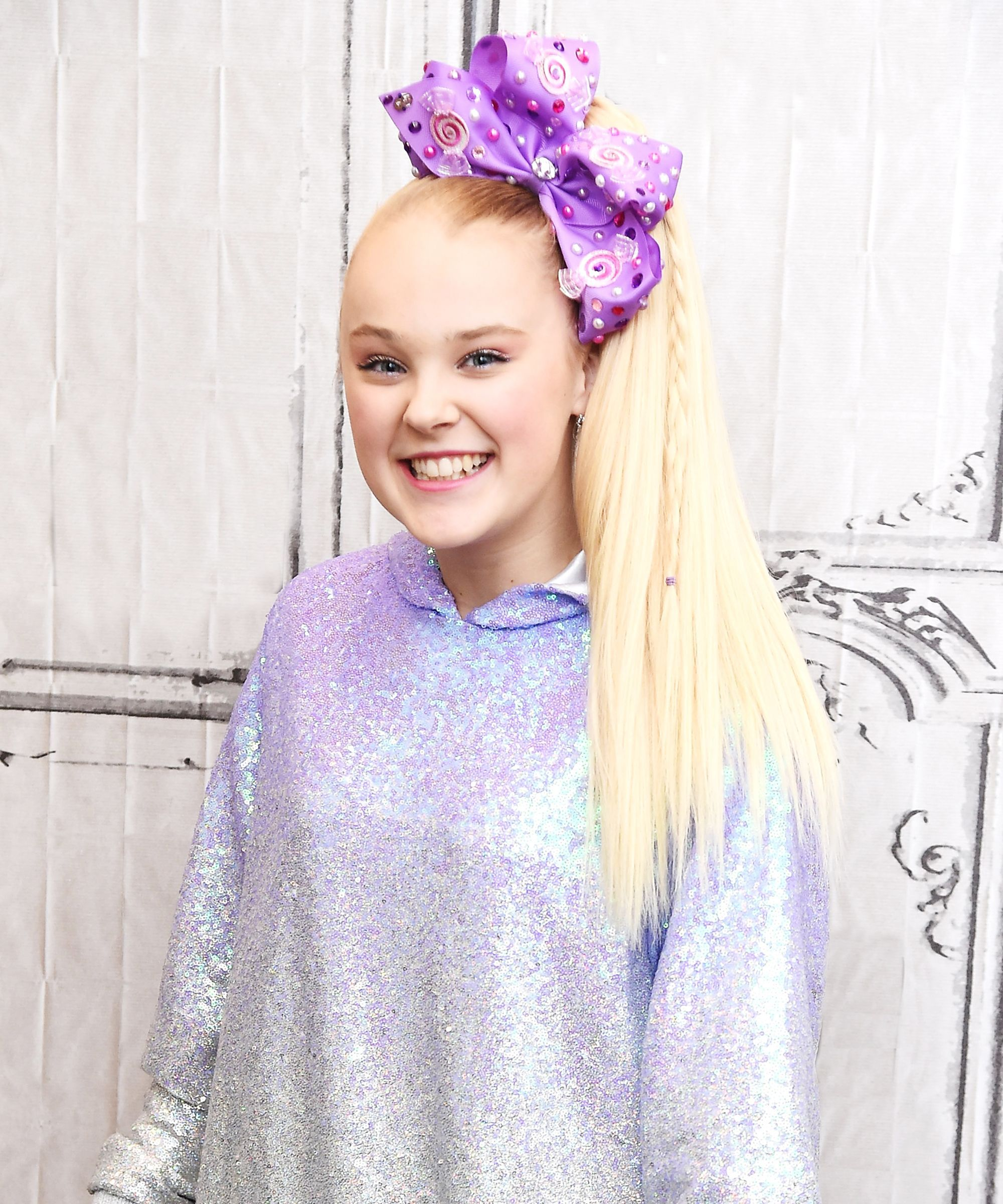 Jojo Siwa Speaks Out After Her Claire S Makeup Kit Was Recalled Jojo Siwa Jojo Siwa Hair Jojo Siwa Instagram