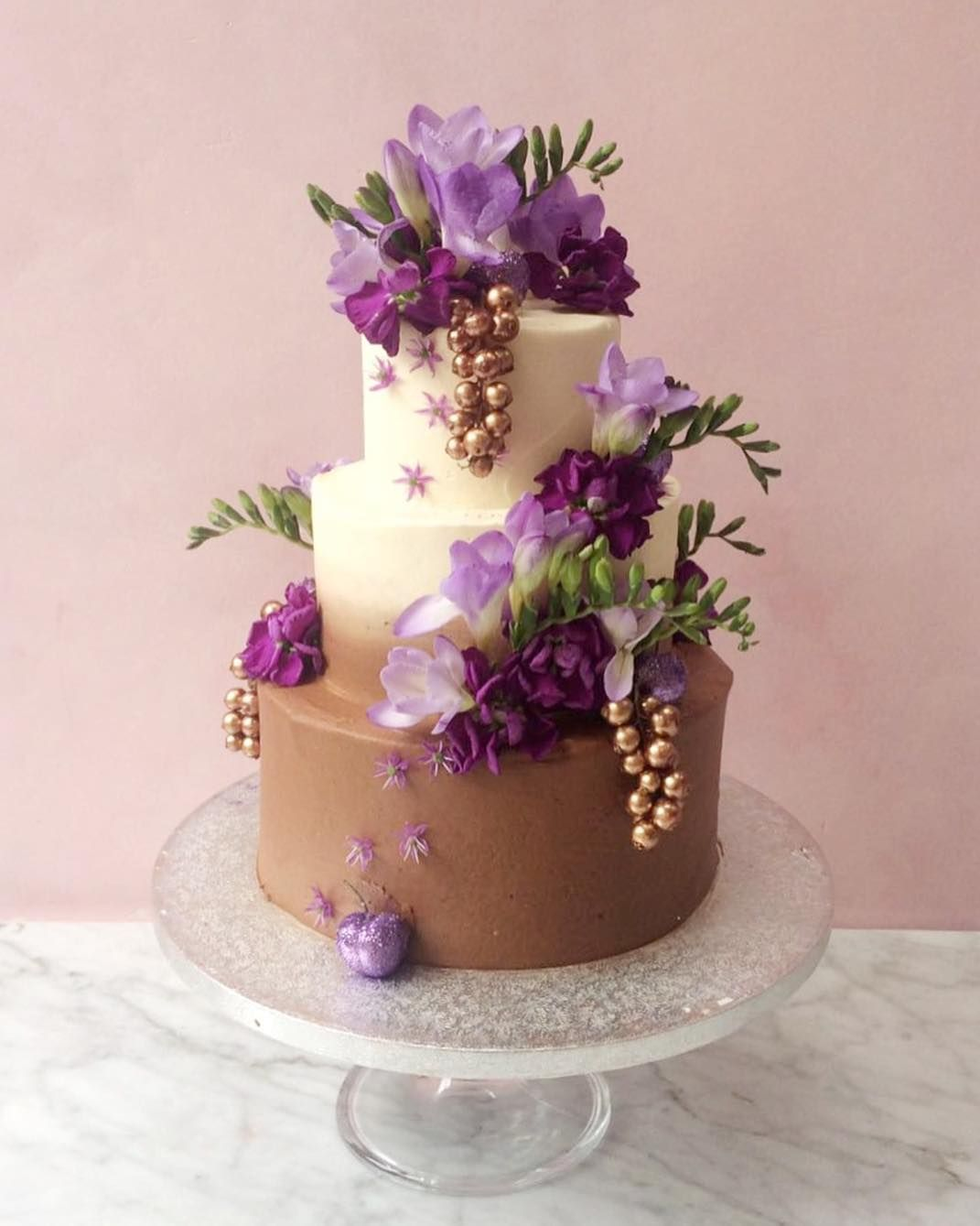 Dreamy chocolate vanilla ombré 3 tier cake with glitter redcurrants ...