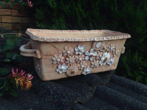 Keramicky Truhlik Bile Kviti Betonove Vyrobky Keramika Kvetinace