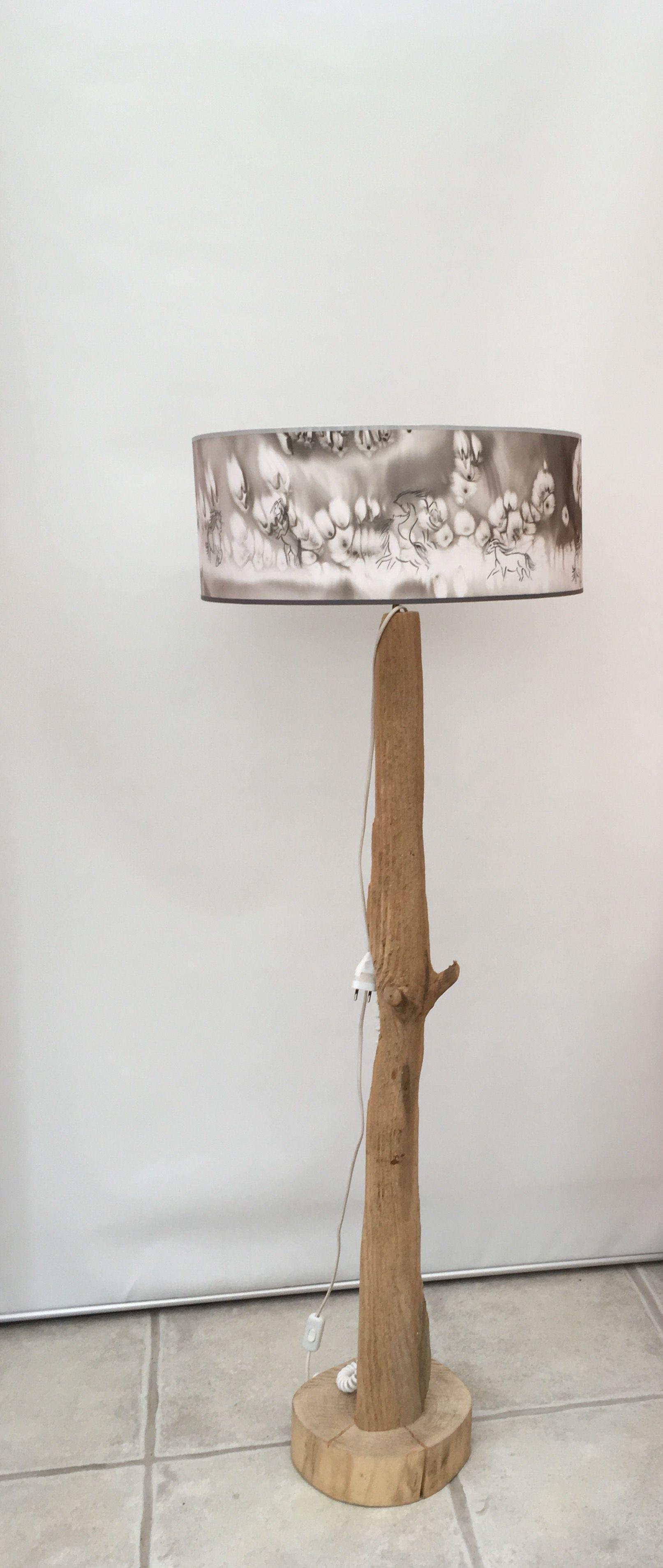 Lampadaire bois flotté et soie peinte motifs chevaux#peinturesursoie#lampessoie#lampadaire