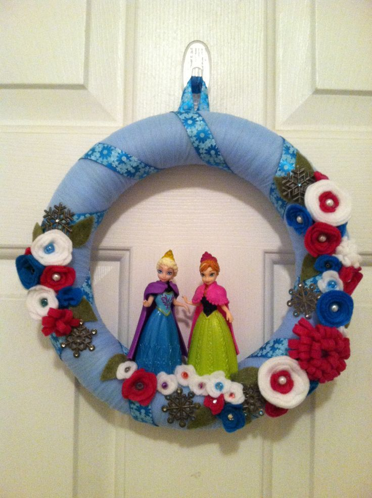 cute FROZEN wreath (With images) Diy holiday decor
