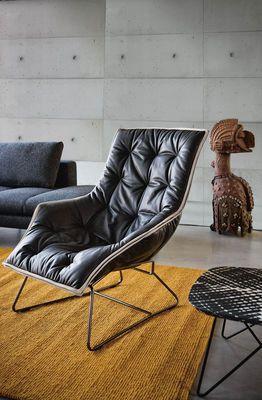 Fauteuil Grandtour Zanotta Gris Noir Made In Design Mobilier Contemporain Chaise Longue Design Fauteuil