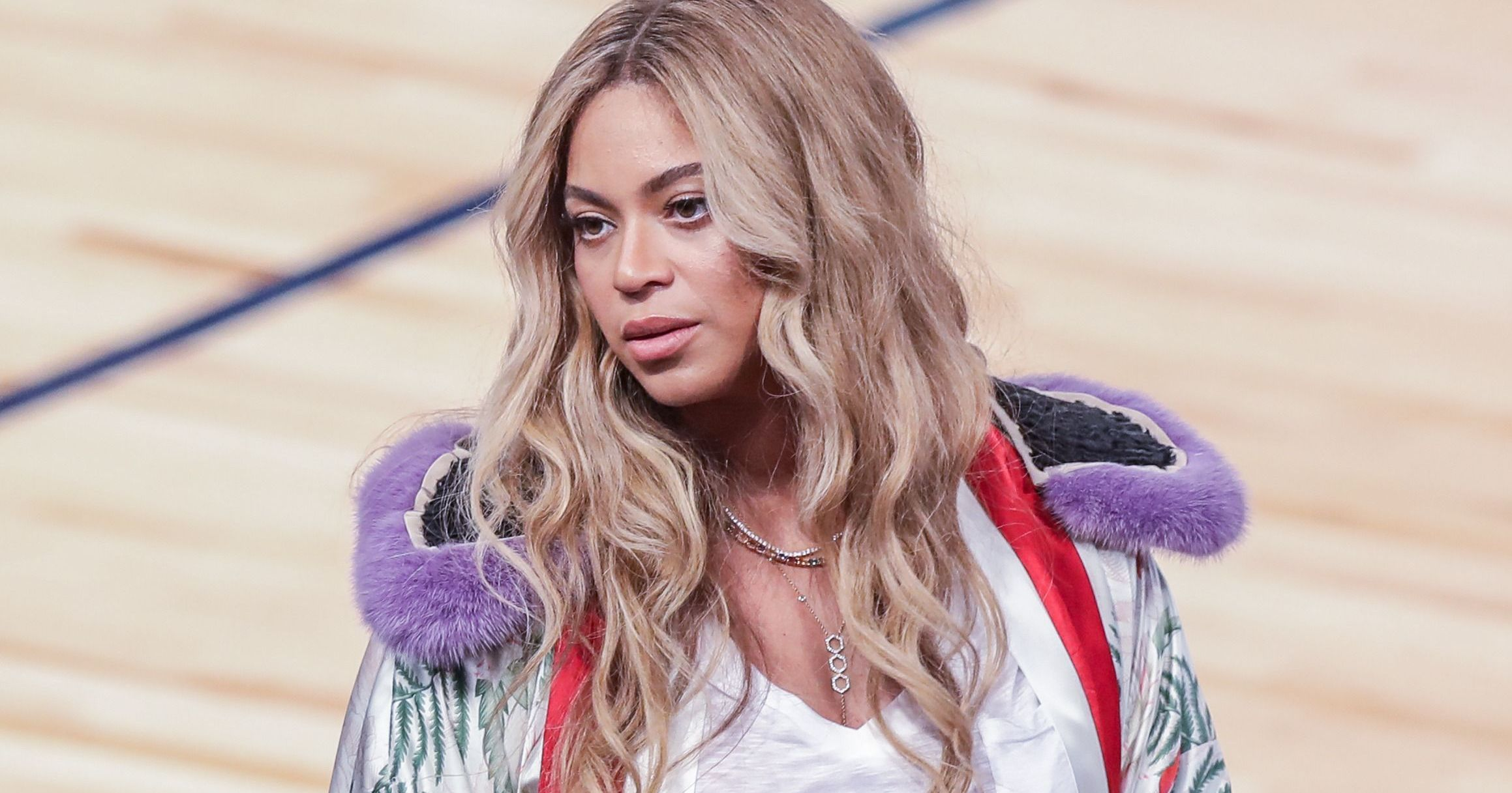 Meches Bambini ~ Jay z raps leave me alone becky while beyonce sings amen in
