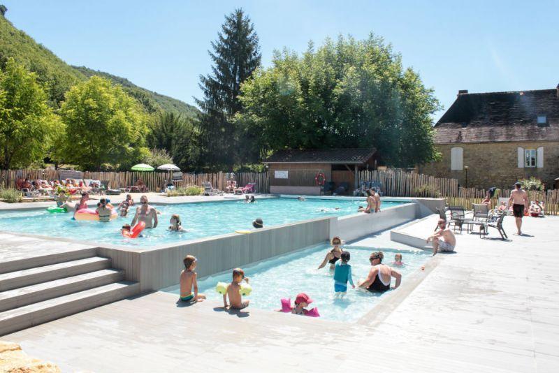 Camping dordogne piscine enti rement r nov e et chauff e - Camping dordogne avec piscine et lac ...