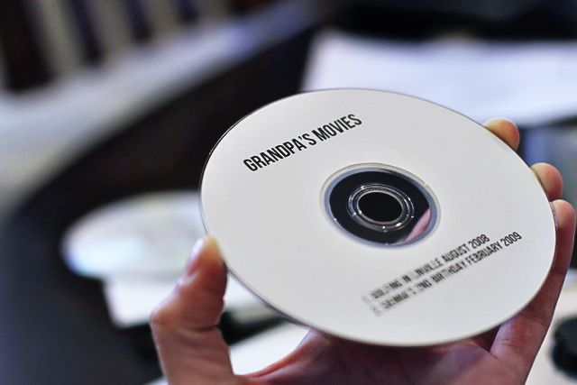 how to make a CD or DVD label on a Mac via lilblueboo - cd label