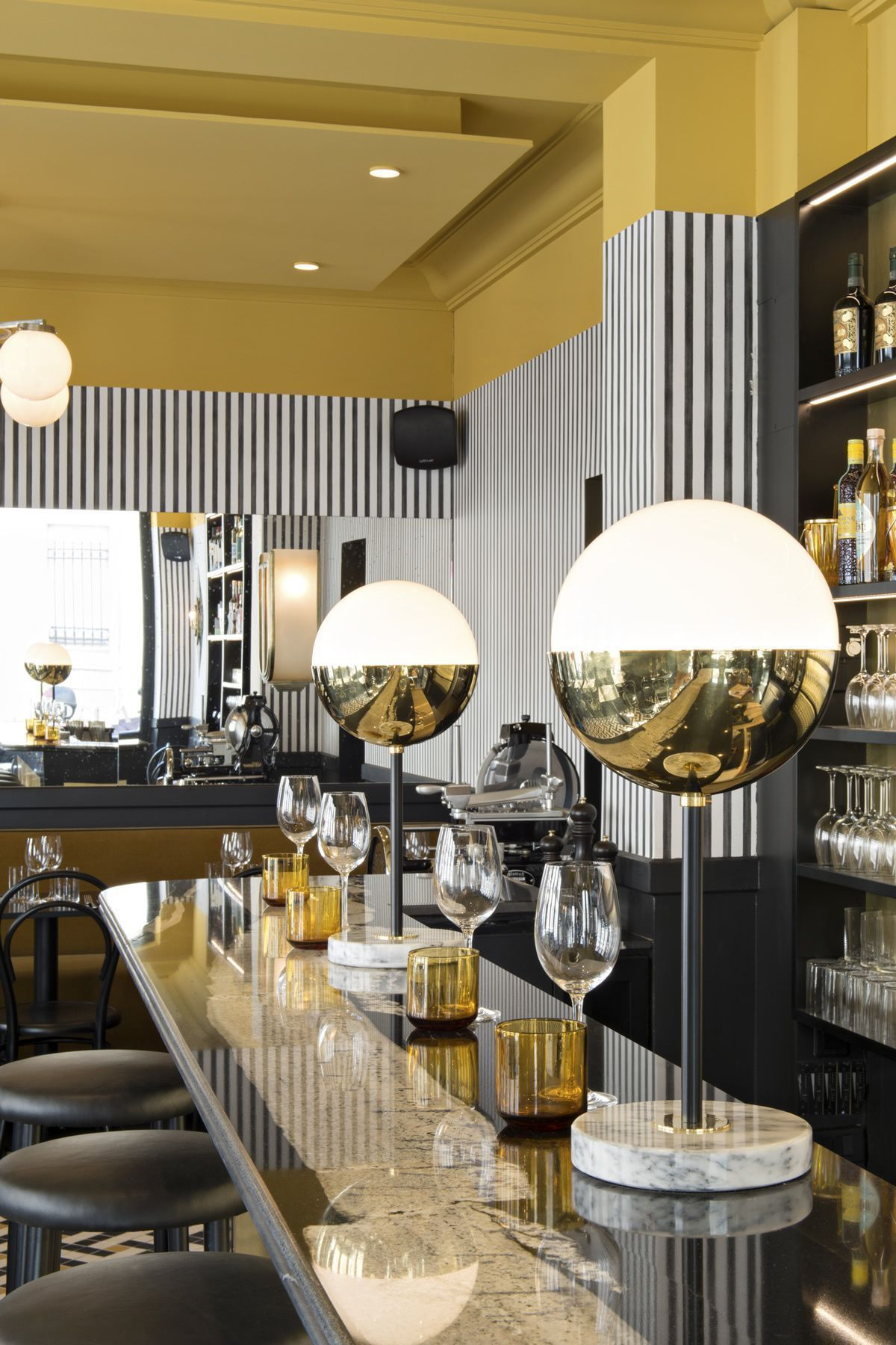 Discover a new italian restaurant totally inspired in parisian art deco inspirations ideas