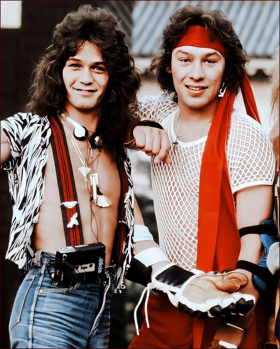 955 Me Gusta 9 Comentarios Eddie Van Halen Photos Eddievanhalenphotos En Instagram Ed And Alex So Hd Eddievanhalen Guitargod Rockstar Ev En 2020 Comentarios