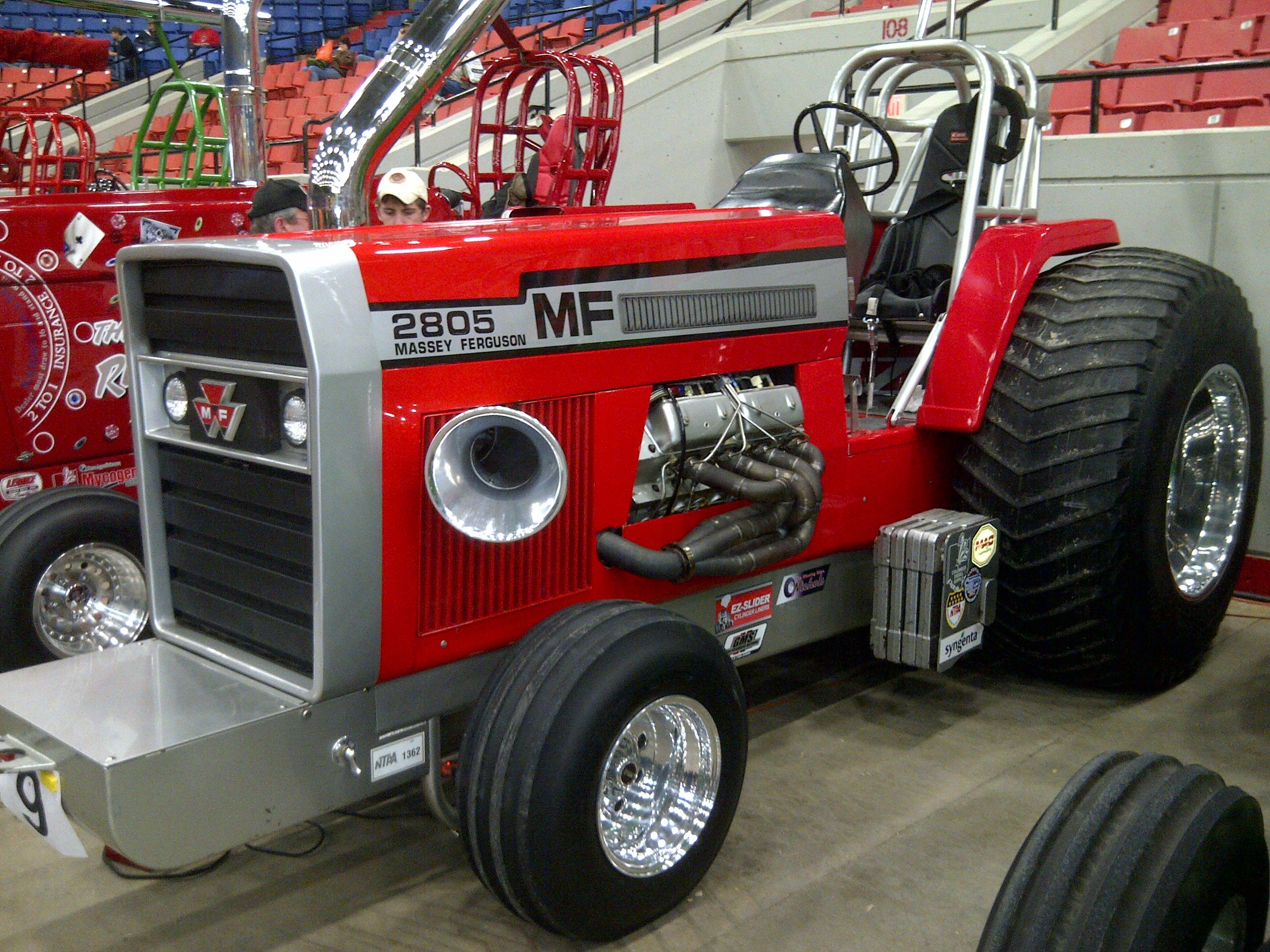 i am not much of a massey ferguson fan but this was by far the best looking pulling tractor at. Black Bedroom Furniture Sets. Home Design Ideas