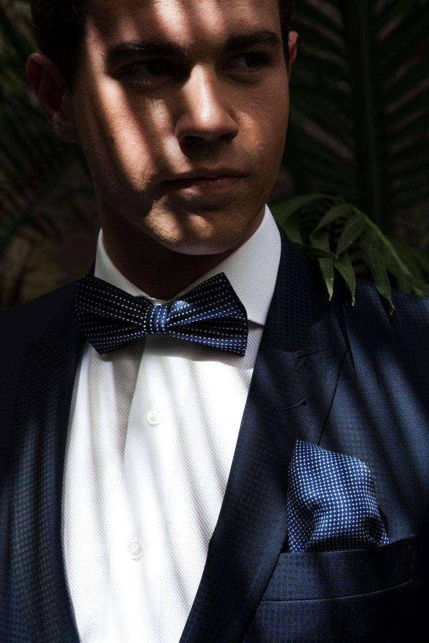 ¡Atención últimas horas para las compras de navidad!  #bride #groom #wedding #weddings #bodas #novio #traje #boda #diciembre #suits #suitup #suit #bridestyle #groomstyle http://trajessenor.com/showroom-nuvis/  Documentary Wedding Photographer
