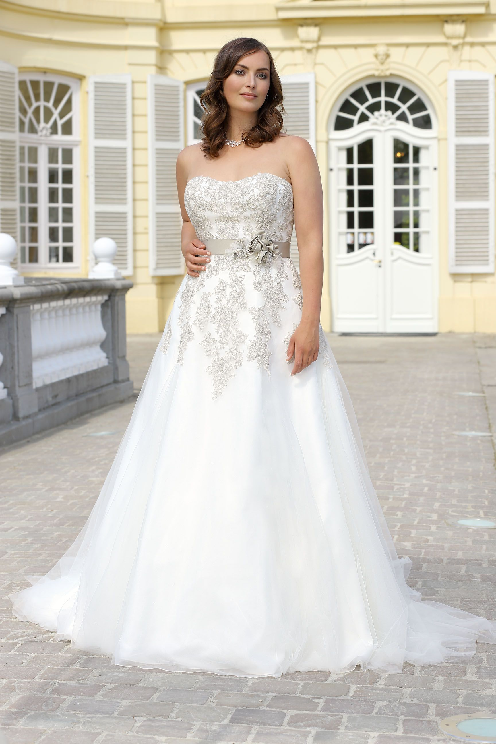 Ladybird Wedding Dress PlusSize LS216005 | Plus Size Collection ...