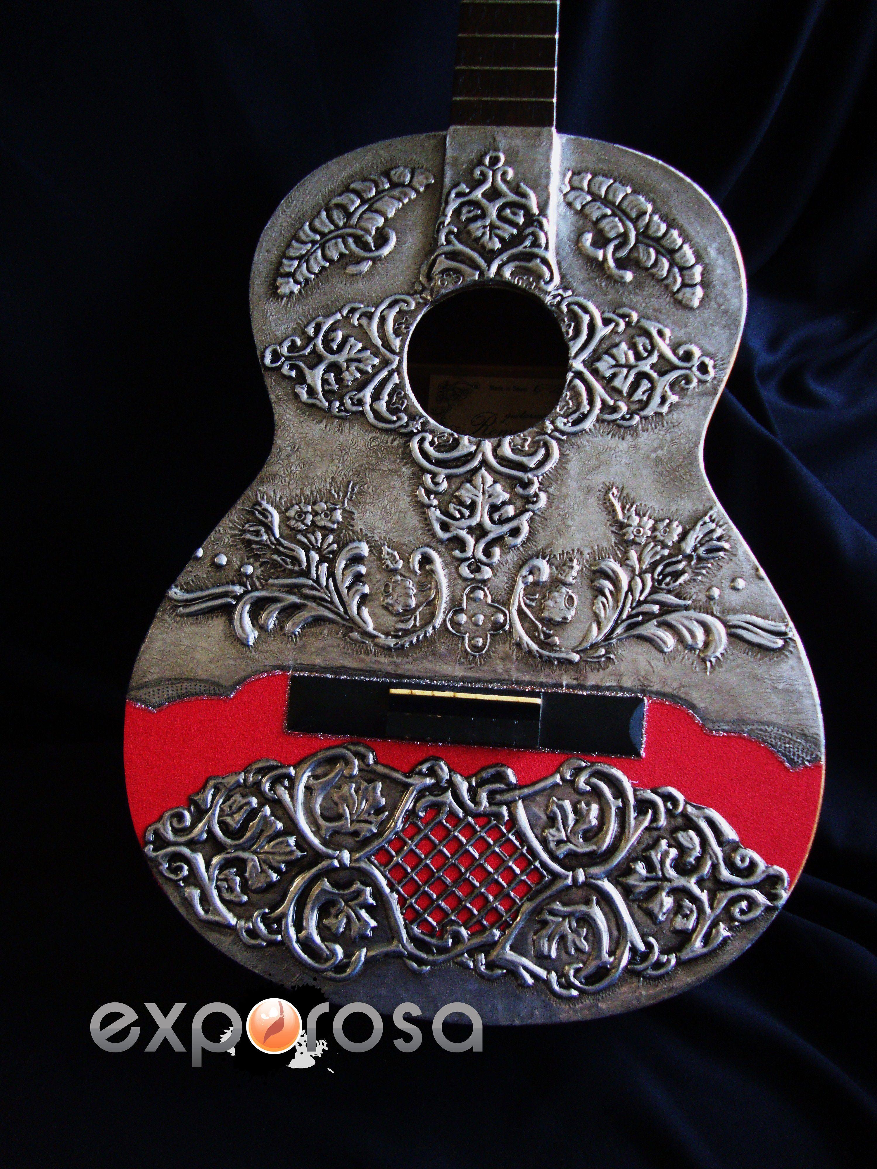 Guitarra espa ola decorada con esta o repujado rosa for Manualidades con estano