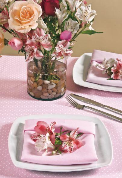 Kena arreglos de mesa para una fiesta en el jard n for Ideas para boda en jardin