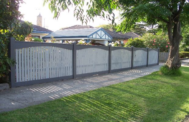 Colonial Capped Picket fence in Bentleigh - Py Fencing Seaford