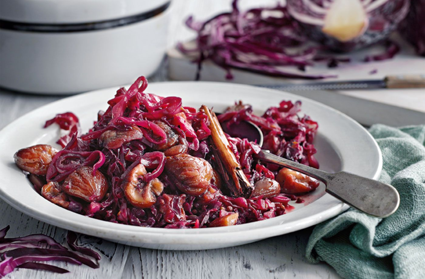 Spiced Braised Red Cabbage With Red Wine Vinegar And Chestnuts Recipe Cabbage Recipes Braised Red Cabbage Best Cabbage Recipe