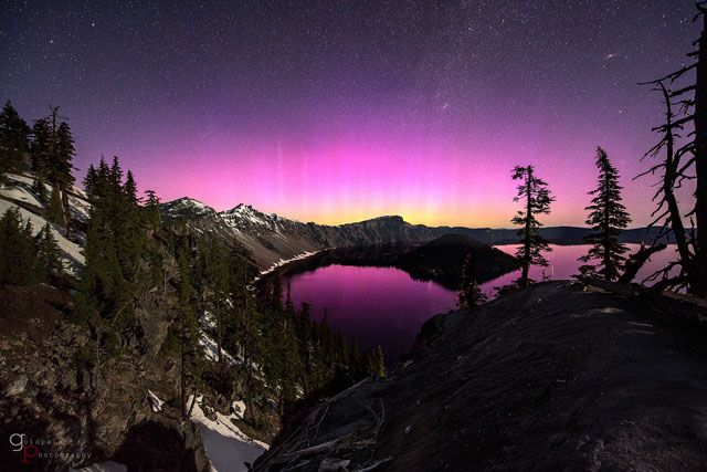 Illusion Of Lights A Time Lapse Of The Night Sky Above The Western United States Crater Lake National Park Lake Photos Crater Lake