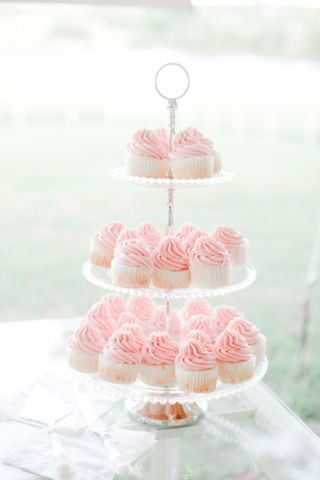 Skip the traditional wedding cake for these 40 pretty wedding cupcake ideas.