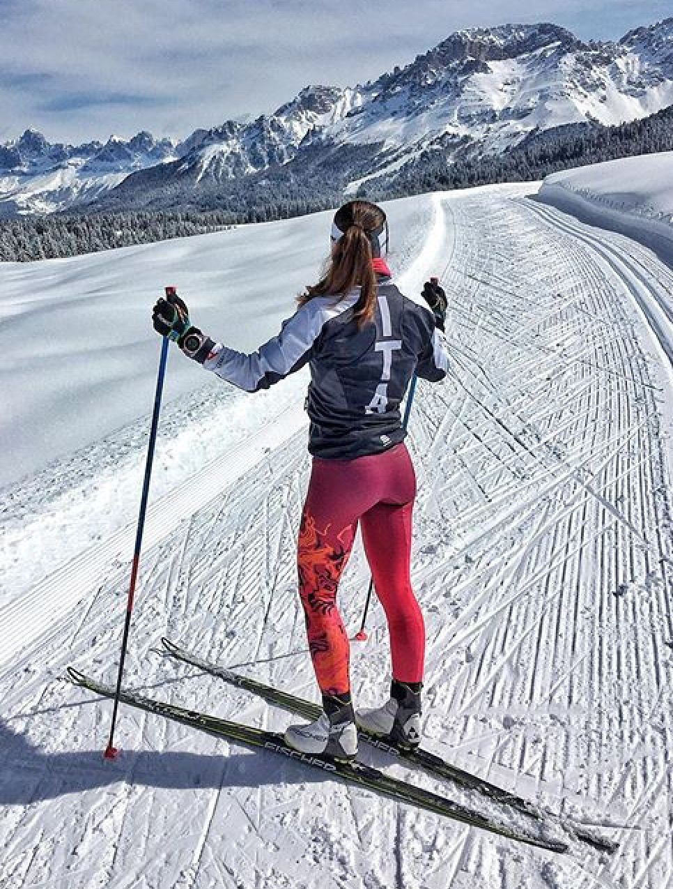 Pin By Mark Maher On Outdoors Cross Country Skiing Outfit Skiing Outfit Ski Women