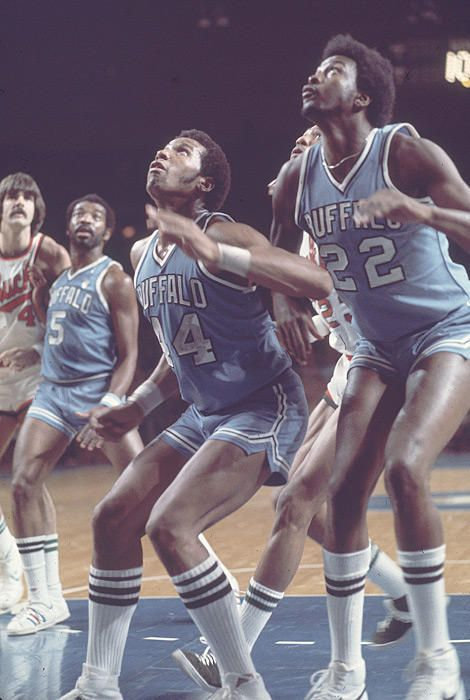 Moses Malone Adrian Dantley With The Buffalo Braves Basketball Players Nba Nba Legends Nba Players