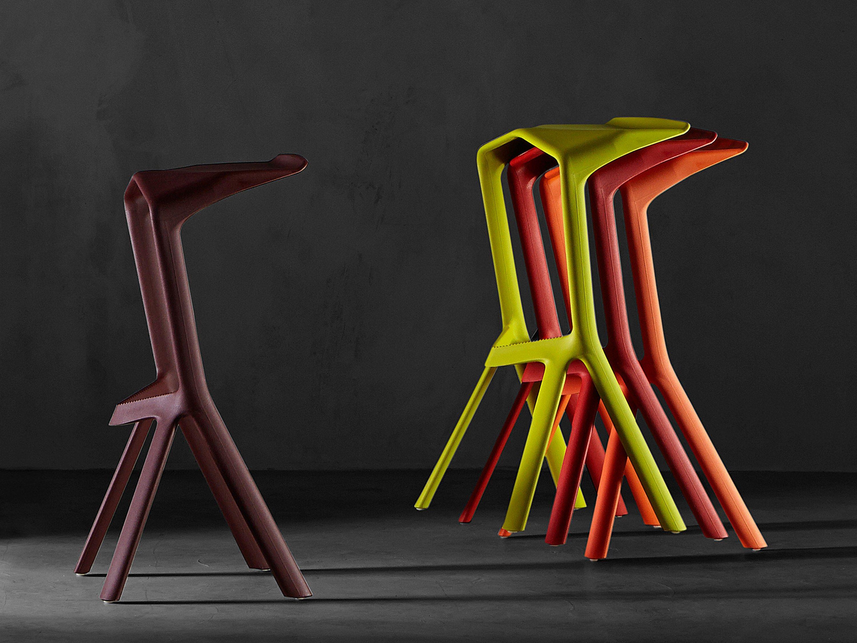 Konstantin grcic bar stool one stool design stools - Taburete Alto Apilable De Polipropileno Miura I Stool 8200 00 Colecci N Miura By Plank