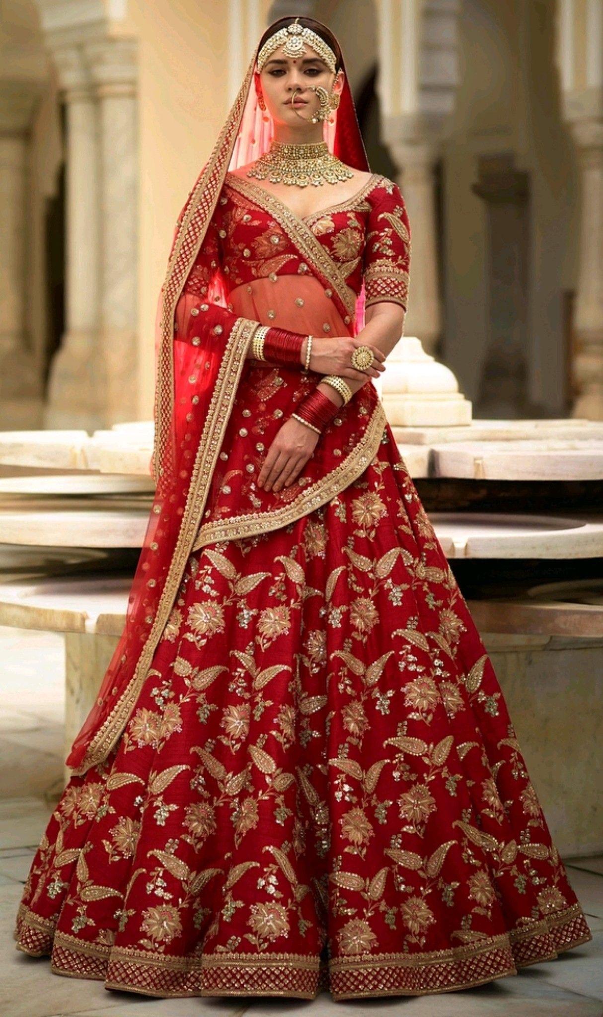 b34343134f17 Sabyasachi Mukherjee 'The Devi Collection' 2018 | Fashion India in ...