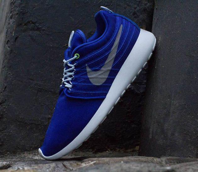 Nike Roshe Dynamic Flywire - Hyper Blue   Strata Grey - Ice Blue ... e646d9f4c