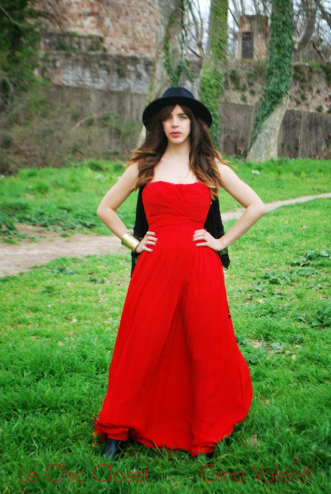 Le Chic Closet: Red http://www.lechiccloset.com/2014/04/red.html