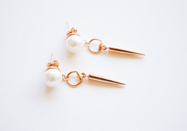 Spike pearl earrings 18K Rose Gold Plated