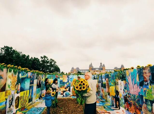 Amsterdam Van Gogh Museum Surrounded By Sunflowers For Visitors To Take