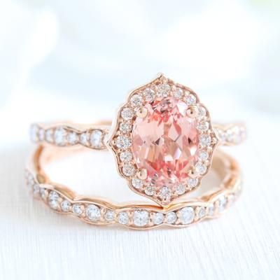 Our vintage floral engagement rings and bridal sets feature a center
