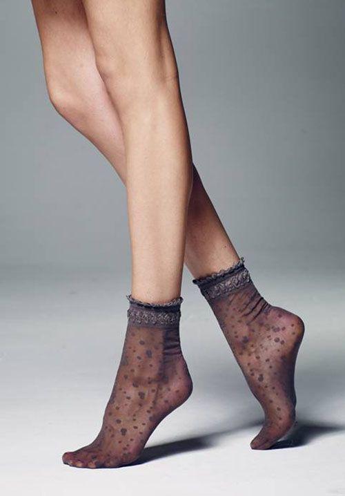 http://www.veneziana.fr/27a9a0feb2842aee889b3588dce9c2f3/item/low-ankle-socks/veneziana/27354/elvira.htm