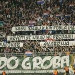 Coreografia Torcida Hajduk per i generali assolti dall'Aja » Football a 45 giri   Football a 45 giri