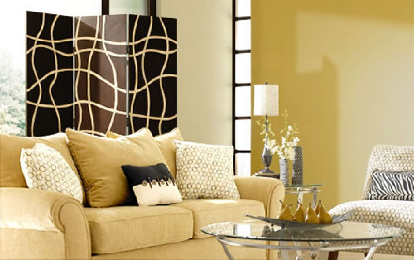 yellow sofa with tan walls | pleasant living room in brown paint