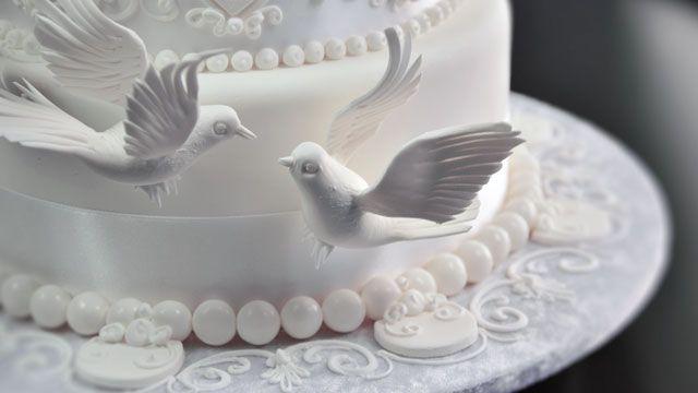 Gazebo and Doves Wedding Cake - Yeners Way | Cakes by Yeners Way ...
