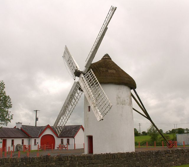 Windmill In Elphin Avec Images Moulin A Vent Le Moulin Vent