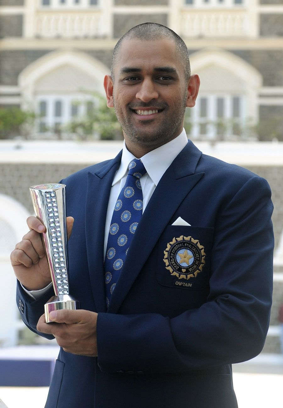 Ms Dhoni With The Man Of The Match Trophy He Picked Up In The World Cup Final Ms Dhoni Photos Dhoni Wallpapers Ms Dhoni Wallpapers