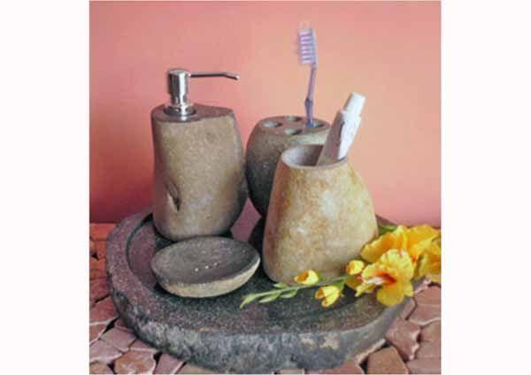 Set Of River Stone Bathroom Accessories 이미지 포함