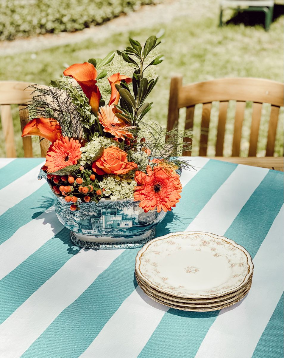 Outdoor Table And Centerpiece Spring Table Centerpieces Table Decorations Table Centerpieces For Home