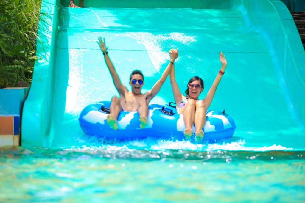 kolam-arus-ciputra-waterpark