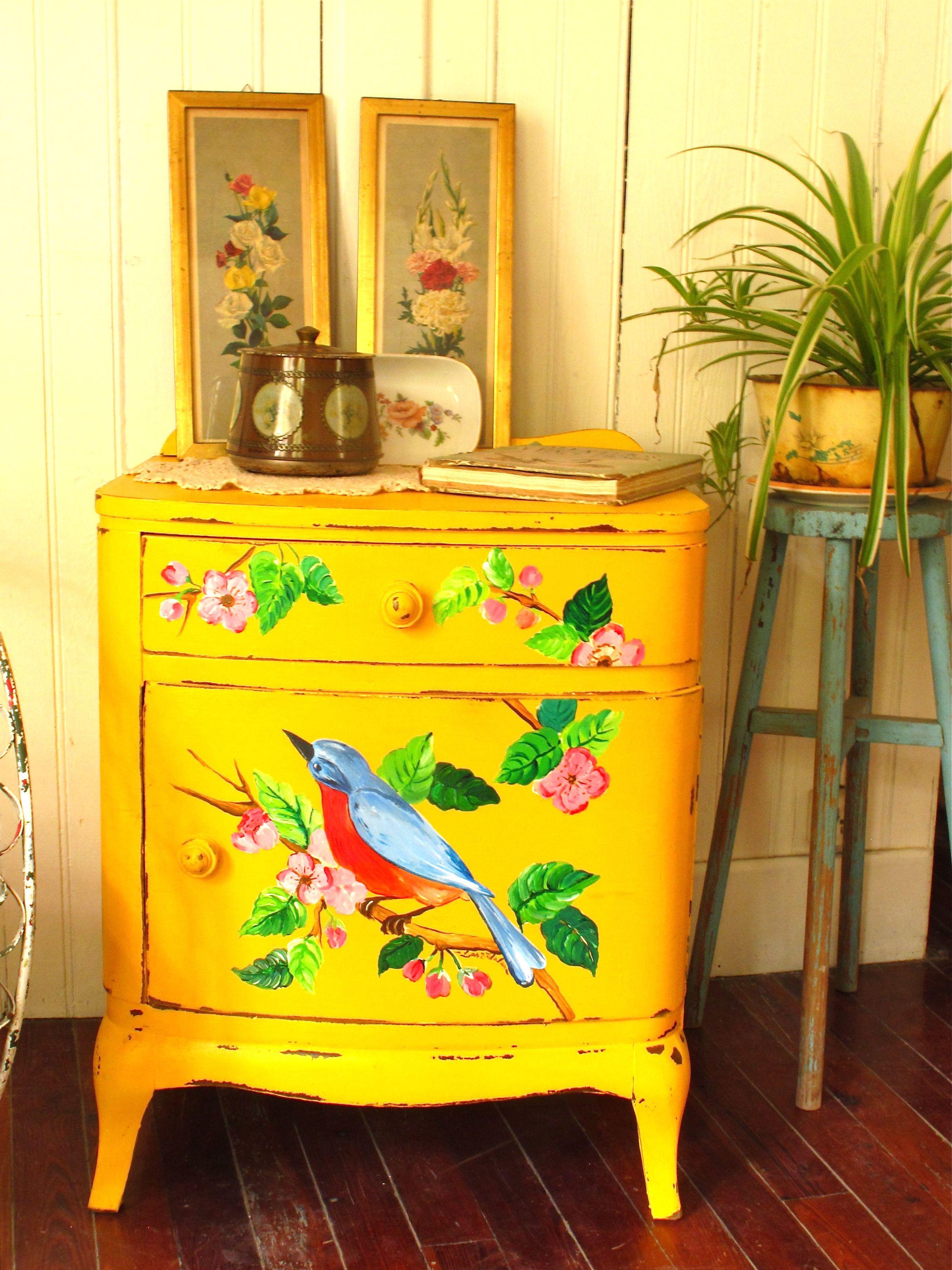 mesita de luz antigua pintada a mano.... | Расписная мебель ...