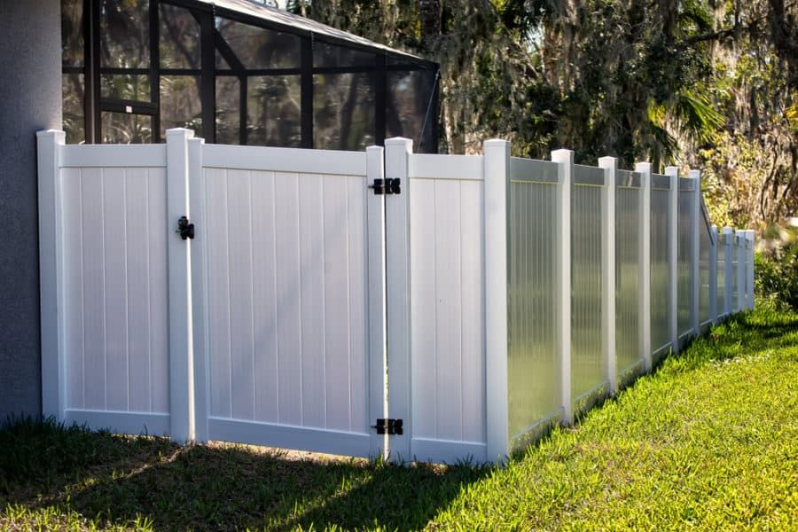 25 Vinyl Fence Ideas And Pictures For Your Yard Garden Or