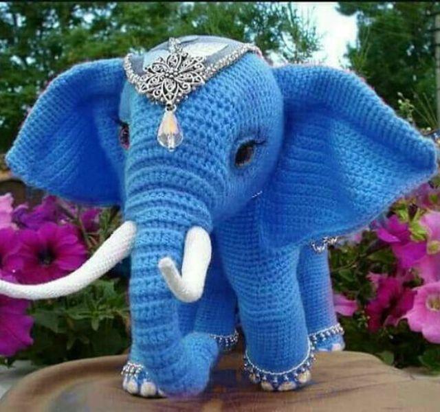 Crochet Pattern - Elephant Nina | Patrones amigurumi, Ganchillo amigurumi, Elefantes  amigurumi | 600x640