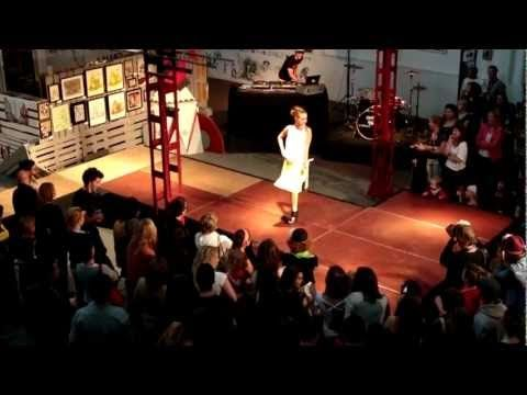 Sans Conservateur 2012 - URBAN FASHION SHOW - Never saw a fashion show like that !